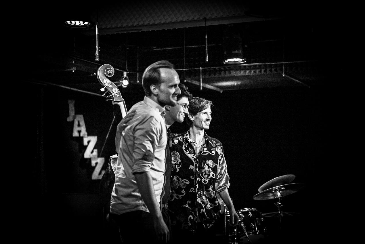 Tomasz Kowalczyk Trio - tktrio